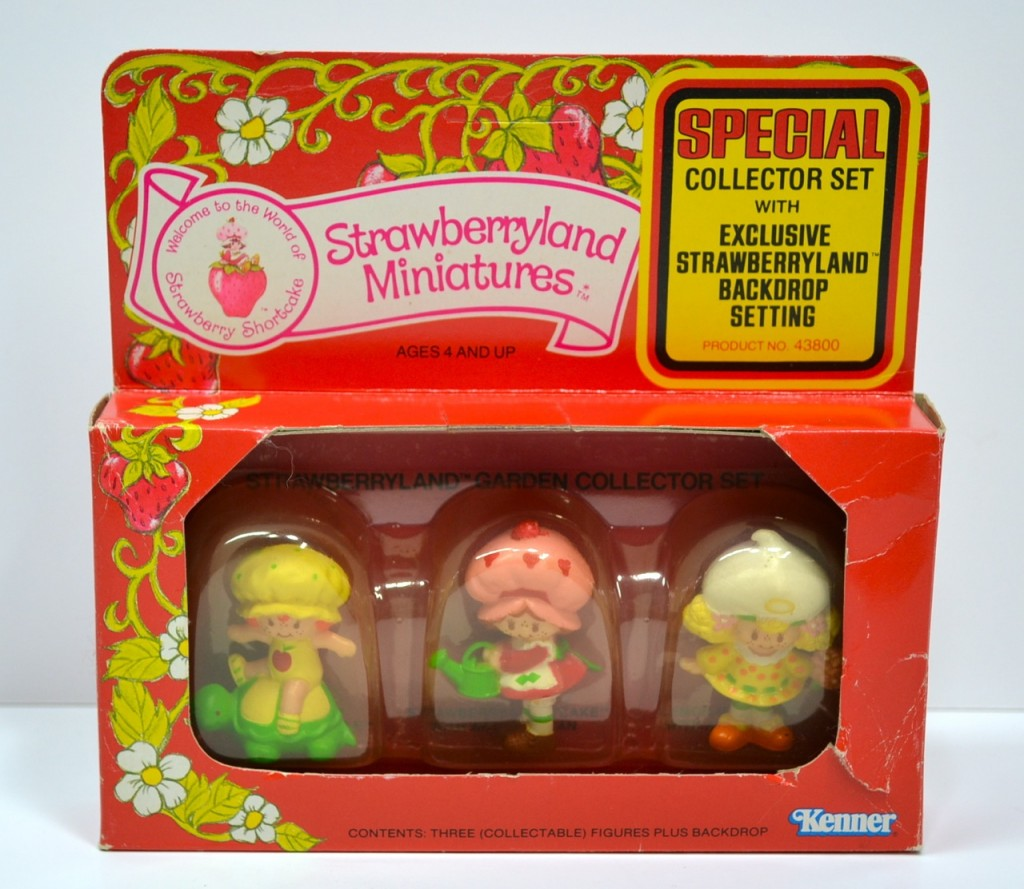 Strawberry Shortcake Strawberryland Miniatures Special Offer Set