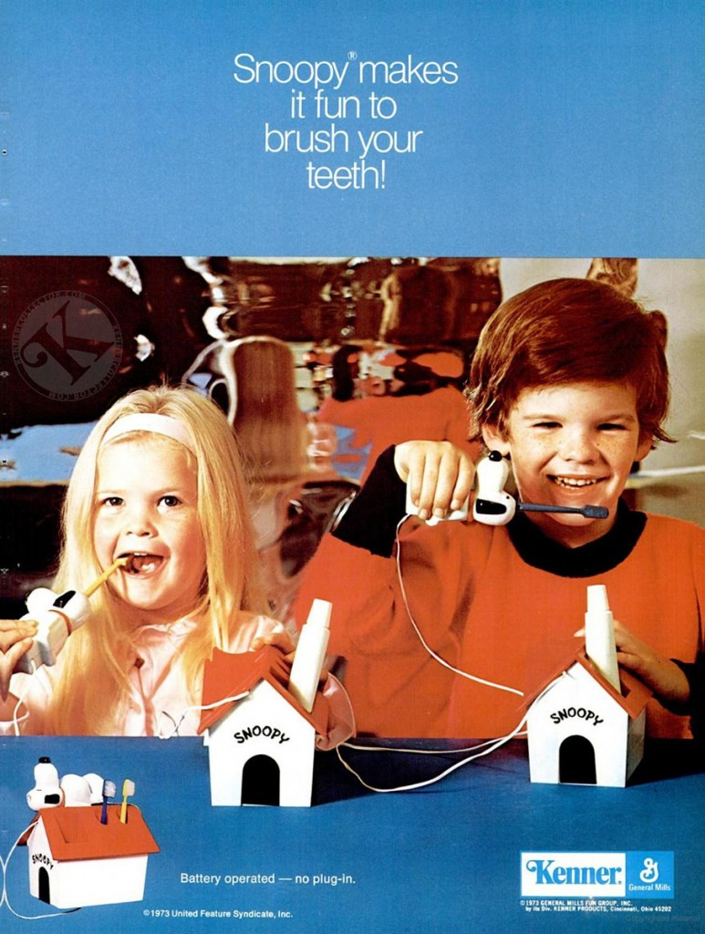 Kenner 1973 Snoopy Toothbrush