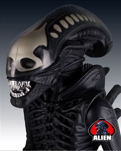 Kenner Collector Gentle Giant Alien Figure